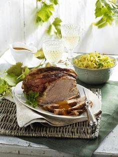 Schweinebraten in Weißwein mit Kräuter-Käse-Spätzle
