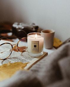 Hygge Morning Rituals: Candle - Allerlei ☆ All sorts of - LIFESTYLE: 10 Autumn Hygge Activities… – daisychain daydreams… Scented Candles, Candle Jars, Hygge Autumn, Autumn Instagram, Photo Candles, Autumn Cozy, Autumn Morning, Autumn Photography, Autumn Aesthetic Photography
