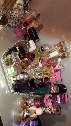 my perfume collection Kylie Cosmetica, Perfume Organization, Perfume Body Spray, Perfume Display, Perfume Scents, Perfume Collection, Up Girl, Bath And Body Works, Body Care