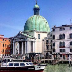 Venezianita' è anche il dolce scorrere del tempo #venezia chiesa di San Simeone by faveromarco