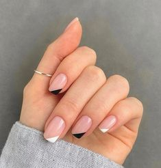 Frensh Nails, Chic Nails, Stylish Nails, Nail Manicure, Hair And Nails, Glitter On Nails, Manicures, Pink Tip Nails, Nail Polish