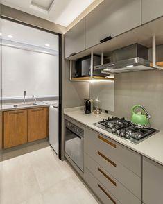 Kitchen Modular, Modern Kitchen Cabinets, Kitchen Cabinet Design, Kitchen Pantry, Kitchen Countertops, Kitchen Decor, Sister Home, Mo S, Design Moderne