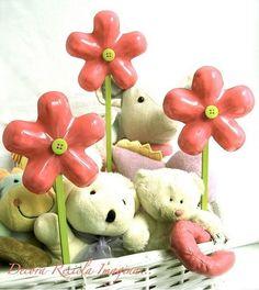 flores con botellas plásticas