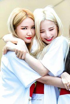 Kpop Girl Groups, Korean Girl Groups, Kpop Girls, Exid Junghwa, Eternal Love, Hani, Mamamoo, South Korean Girls, Pink Purple