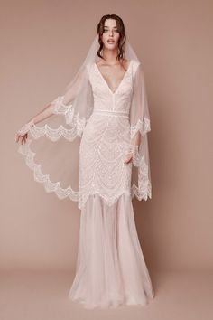 2d7f801e9fd Many brides hosting their nuptials in the fall or winter months may choose  to fit the
