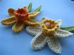Attic24 Crochet Daffodil Tutorial - they're so pretty!