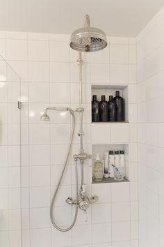 Laundry Room Bathroom, Bathroom Inspo, Bubble Bath, Bathroom Interior Design, Track Lighting, Sweet Home, New Homes, Ceiling Lights, House