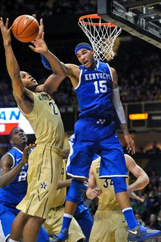 Willie Cauley-Stein and Kentucky going back to the Final Four hoping to cap off a perfect season with a championship. Kentucky College Basketball, Kentucky Sports, Wildcats Basketball, Football And Basketball, University Of Kentucky, Kentucky Wildcats, Basketball Players, College Football, Hockey
