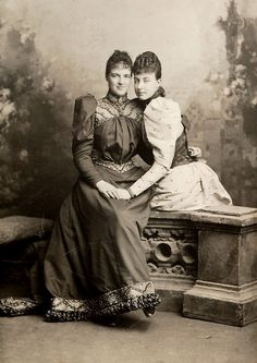 Queen Amelia of Portugal and sister, Princess Helene, later duchess of Aosta. Early 1890s