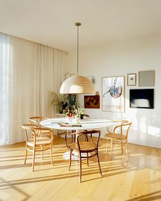 405 best dining rooms images in 2019 dining room dining for Mobilia kitchen table