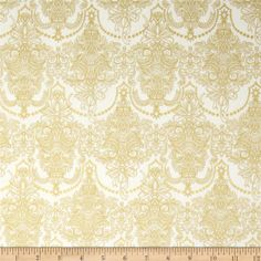 Holiday Flourish Metallic Damask Snow Antique Cream from @fabricdotcom  Designed by Peggy Toole for Robert Kaufman, this cotton print fabric is perfect for quilting, apparel and home decor accents. Colors include cream and gold. Features gold metallic accents throughout.