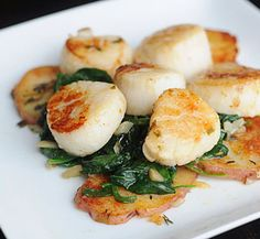 Warm scallop salad with spinach, citrus and toasted almonds @paleo