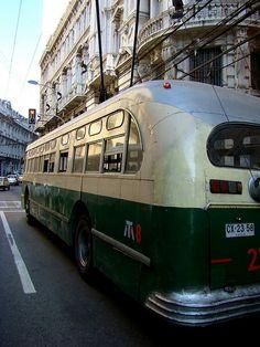 ✿⊱╮La red de Trolebuses de Valparaíso es parte del sistema de Transporte de Valparaíso. Opera desde 1952, siendo actualmente la única red de trolebús en Chile y la segunda más antigua de Sudamérica en Valparaiso.