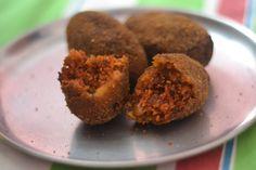 Kolkata Special Vegetable Cutlet (Beetroot & Potato snacks) #Vegan (2 beets)