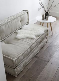 For those of you that have a small house as well as few Futon Couch can be the ideal remedy. Instead of purchasing a routine sofa, futon couch are really much more multi-functional. Couches For Small Spaces, Beds For Small Spaces, Small Couch In Bedroom, Bedroom Couch, Couch, Futon Bedroom, Small Couch, Futon Living Room, Small Sofa