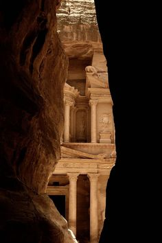 This was my first view of EL Khasneh, Petra with a boy singing Arabic songs which echoes through the cliffs and wow!