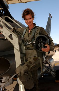 woman fighter pilot