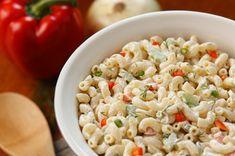 Un grand classique...Une salade de macaroni, l'accompagnement parfait - Recettes - Recettes simples et géniales! - Ma Fourchette - Délicieuses recettes de cuisine, astuces culinaires et plus encore!