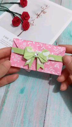 Cool Paper Crafts, Paper Flowers Craft, Paper Crafts Origami, Origami Flowers, Diy Crafts Hacks, Diy Crafts For Gifts, Creative Crafts, Origami Simple, Instruções Origami
