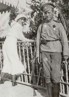 Grand Duchess Anastasia Nikolaevna Romanova of Russia with Tsarevich Alexei Nikolaevich Romanov of Russia.A♥W