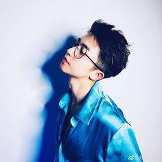 Image may contain: 1 person, sunglasses and closeup Korean Boys Ulzzang, Cute Korean Boys, Ulzzang Boy, Asian Boys, Asian Men, Cute Boys, Ulzzang Glasses, The Boy Is Mine, Korean Men Hairstyle