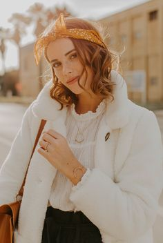 Accueil - Marine Has Freckles Teddy Coat, Zara Kids, Winter White, Freckles, Fall Outfits, Autumn Fashion, Ruffle Blouse, Comfy, How To Wear