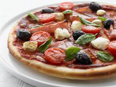 A twist on everyone's favourite Italian recipe, our basil & prosciutto pizza is sure to have your tastebuds talking. Prosciutto Pizza, Main Meals, Mozzarella, Vegetable Pizza, Italian Recipes, Vegetables, Pizza Napoletana, Food, Essen