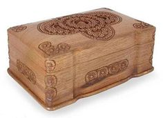 Kashmiri Hand Carved Tiny Floral Patterned Wooden Box(Chinar) Price:2,800INR