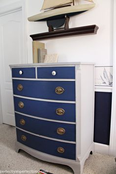 Perhaps I can jazz up my old dresser project by doing something like this... I like the idea of doing the drawers in a different color from the rest of the dresser.