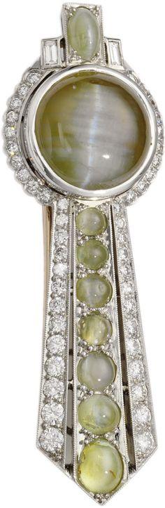 Art Deco Cat's-Eye Chrysoberyl, Diamond, Platinum Brooch