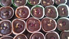Čokoládové muffin s višňami a s chilli