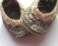 Beige and pink handmade crochet baby girl shoes by TheCCVillage