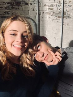 behind the scenes Tessa/Josephine and Hardin/Hero Relationship Goals Pictures, Cute Relationships, Secret Relationship, Cute Couples Goals, Couple Goals, Photos Couple Mignon, Dylan Sprouse, Hardin Scott, After Movie