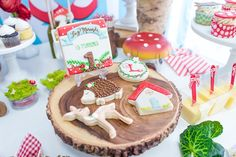Head down the woodland path to see this Little Red Riding Hood Birthday Party here at Kara's Party Ideas. Plus get a basketful of other ideas! Fairytale Birthday Party, Rapunzel Birthday Party, Pig Birthday, 1st Birthday Parties, Happy First Birthday, First Birthdays, Red Riding Hood Party, Snow White Birthday, Alice In Wonderland Birthday