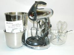 Sunbeam 2379 Mixmaster 300 Watt 12 Speed Stand Mixer With 3 Sets of Attachments