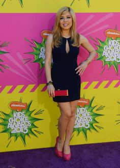 Jenette McCurdy attends the 2013 Nickelodeon Kids' Choice Awards in Los Angeles