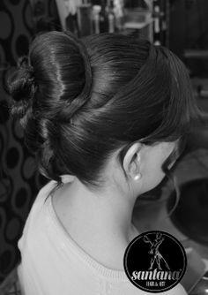 Trabajo realizado por Vanesa Santana del staff Santana Peluqueros Hair&Art, recogido de fiesta combinando trenza de dos cabos y dando un toque original a un moño alto con detalles de sutiles ondas hacia la cara. #peinados #recogidosfiesta #peluqueria #barbershop #santanapeluqueros #alicante #alacant #style #woman #recogidomujer #stylemaster #revlon #Tigi #trend #chic #fashion #playadesanjuan #comercialgarden
