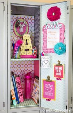 Locker Ideas for the Coolest Kid in the Hall Fun and creative locker ideas for the coolest kid in the hall. School locker organization DIY on Frugal Coupon Living for Middle and High Schoolers. Girls Locker Ideas, Cute Locker Ideas, Kids Locker, Sports Locker, School Organization For Teens, Diy Organization, Diy Crafts For Teens, Diy For Girls, Girls Fun