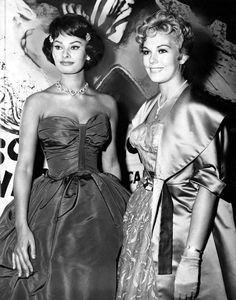 Sophia Loren and Kim Novak attend the opening of Sophia's film The Key at the Odeon Theater in New York, July 1958 first posted by whatsthetalenightingale