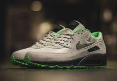 Nike Air Max 90   Light Bone   Poison Green