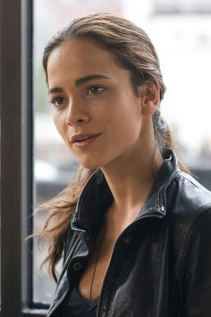 Alice Braga - such a cool actress. Predators, I Am Legend, The Rite..