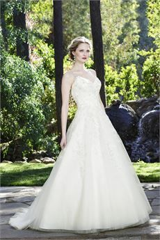 Tendance Robe du mariage Casablanca Bridal ball gown with V-neckline beaded straps and embellished lace Wedding Dress Gallery, 2016 Wedding Dresses, Bridal Dresses, Wedding Gowns, Lace Wedding, Casablanca Bridal, Casablanca Dress, Wedding Dress Organza, Gorgeous Wedding Dress
