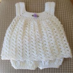 Easy Baby Sun Dress This crochet pattern / tutorial is available for free... Full post: Easy Baby Sun Dress