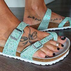 Birkenstock Florida, Birkenstock Mayari, Shoe Stores, Birkenstocks, Sexy Toes, Woman, Videos, How To Wear, Life