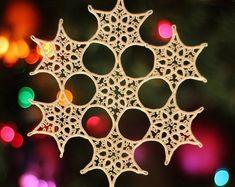 Tatting Jewelry, Tatting Lace, Snowflake Designs, Snowflake Pattern, Needle Tatting Tutorial, Tutorial Crochet, Needle Tatting Patterns, Crochet Bookmarks, Lacemaking