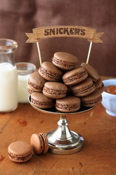 Snickers Macarons!