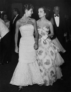 Jackie Kennedy with her sister Lee