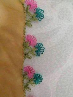 çiçek motifli iğne oyası örneği