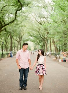 Photography : Brklyn View Photography Read More on SMP: http://www.stylemepretty.com/new-york-weddings/new-york-city/manhattan/2015/04/16/central-park-summer-engagement-session/