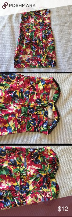 H&M strapless dress Strapless dress w/sweetheart neckline and pockets. 93%cotton 3%elastane please keep in mind is H&M sizing. H&M Dresses Mini